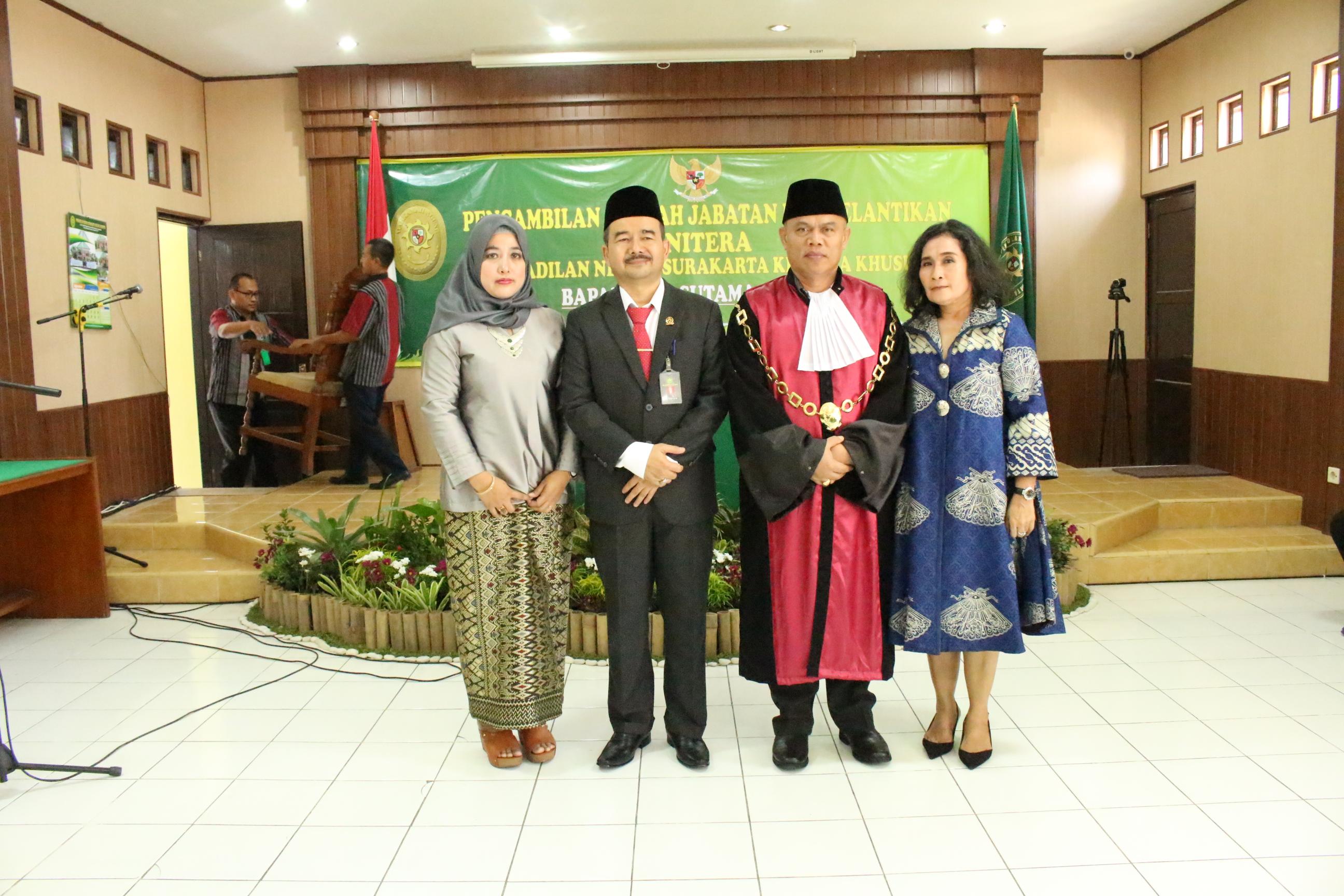 Pengambilan Sumpah Jabatan dan Pelantikan Panitera Pengadilan Negeri Surakarta Kelas IA Khusus