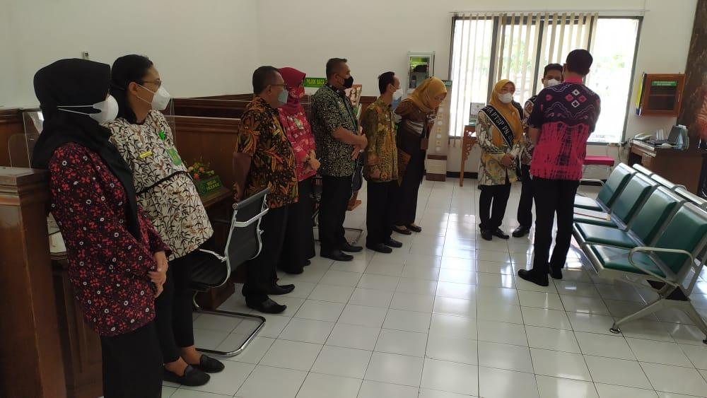Penilaian Lomba Pelayanan Terpadu Satu Pintu (PTSP) pada Pengadilan Negeri Surakarta Kelas IA Khusus oleh Tim dari Badan Peradilan Umum (Badilum)